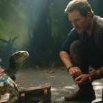 "Jurassic World: Fallen Kingdom Trailer<span class=""pt_splitter pt_splitter-1""> – Chris Pratt returns to save dinos from a doomed island</span>"