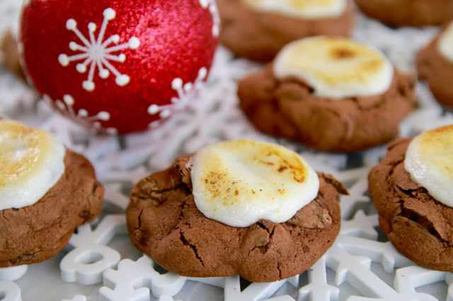 double chocolate chip cookie, holiday cookies, Christmas cookies, Hot Chocolate and marshmallows, hot chocolate, marshmallows, cookies, best cookie recipe, gemma stafford, Bigger Bolder Baking, Baking, Christmas baking, Holiday baking, Chocolate chips, Fudgy cookie