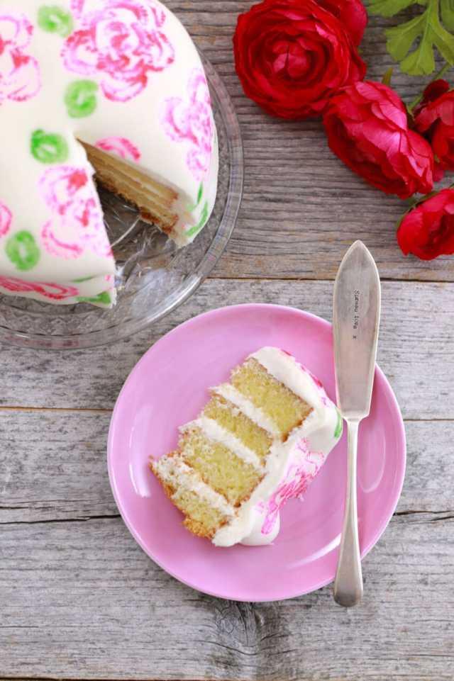Celery stamp rose cake, rose cake, diy cake decorating, mothers day cake, wedding cake, wedding cake ideas. Easy decorating, decorating tips, easy cake decorating tips, decorating cakes, celebration cakes, easy wedding cakes, sponge cake, sponge cake recipes, victoria sponge cake, victoria sponge cake recipe, cake recipes, plain cake reicpe, using fondant, how to use fondant, beautiful cakes, big and bold cakes, Recipes, baking recipes, dessert, desserts recipes, desserts, cheap recipes, easy desserts, quick easy desserts, best desserts, best ever desserts, simple desserts, simple recipes, recieps, baking recieps, how to make, how to bake, cheap desserts, affordable recipes, Gemma Stafford, Bigger Bolder Baking, bold baking, bold bakers, bold recipes, bold desserts, desserts to make, quick recipes
