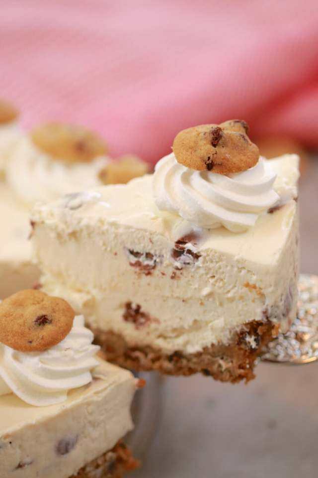 Chocolate Chip Cookie Cheesecake, Cookie Cheesecake, Cookie dough Cheesecake, cheesecake recipes, cookie recipes, best ever cheesecake recipe, Recipes, no bake cheesecake, cheesecake recipes, no bake desserts, cheesecake reicpes, cheescake recipes,recipe, baking recipes, dessert, desserts recipes, desserts, cheap recipes, easy desserts, quick easy desserts, best, best ever desserts, simple desserts, simple recipes, recieps, baking recieps, how to make, how to bake, easy recipes, affordable recipes, Gemma Stafford, Bigger Bolder Baking, bold baking, bold bakers, bold recipes, bold desserts, desserts to make, quick recipes