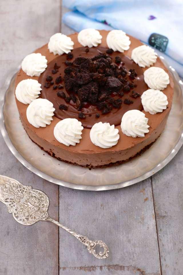 No Bake Fudge Brownie cheesecake, Fudge Brownie cheesecake, No Bake Brownie cheesecake, No Bake chocolate cheesecake, chocolate desserts, brownie recipes, brownie desserts, cheesecake recipes, no bake cheesecake recipes, no bake desserts, no bake recipes