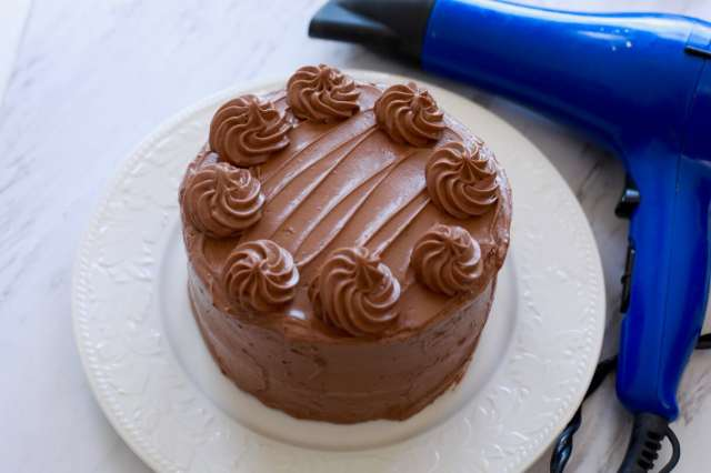 Easy Cake Decorating: How to Make Cake Frosting Shiny -
