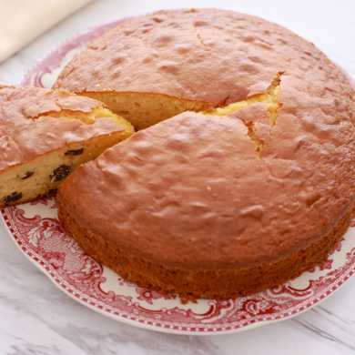 Stop Fruit From Sinking to the Bottom of Cake