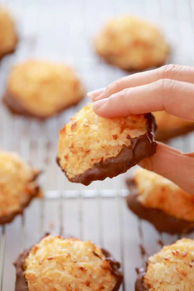 3 Ingredient Coconut Macaroons, Coconut Macaroon recipe, 3 Ingredient Macaroon recipe, easy coconut macaroons, 3 Ingredient Cookies, Cookies recipes, easy cookie recipes, easy baking recipes, recipes for kids, simple recipes, biscuit recipes, best ever cookie recipe, gluten free cookies, egg free cookies, egg free baking, egg free recipes, gluten free recipes, vegan cookies, vegan recipes