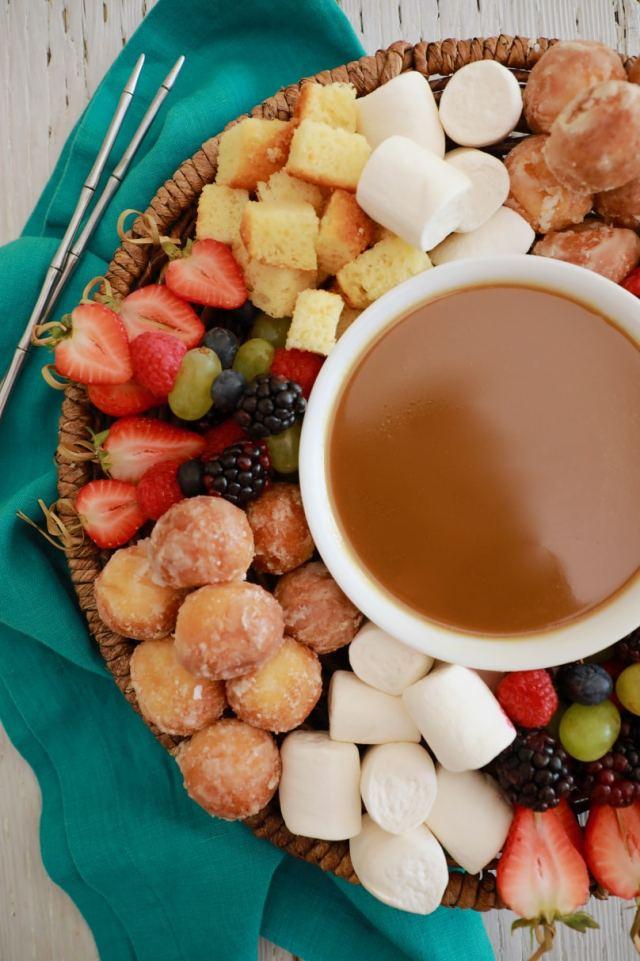 easy dessert fondue recipe, easy desserts , easy dessert recipes , dessert fondue recipe, best desserts, best ever desserts, best ever dessert fondue recipe, Valentines day desserts, valentines day recipes, date night desserts, fondue recipe, affordable recipes, cheap recipes, cheap desserts, simple recipes, simple desserts, quick recipes, Healthy meals, Healthy recipes, How to make, How to bake, baking recieps, recipes for kids, baking with kids, baking with children, kid friendly recipes, child friendly recipes,