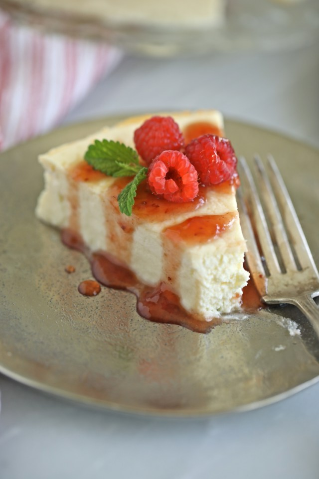 Sugar free baked cheesecake recipe, showing texture.