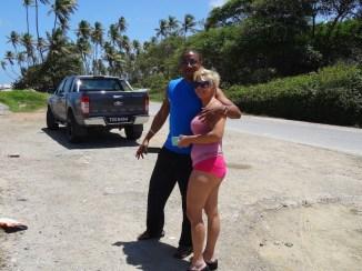 Gesch und Stacey im Palmenblatt