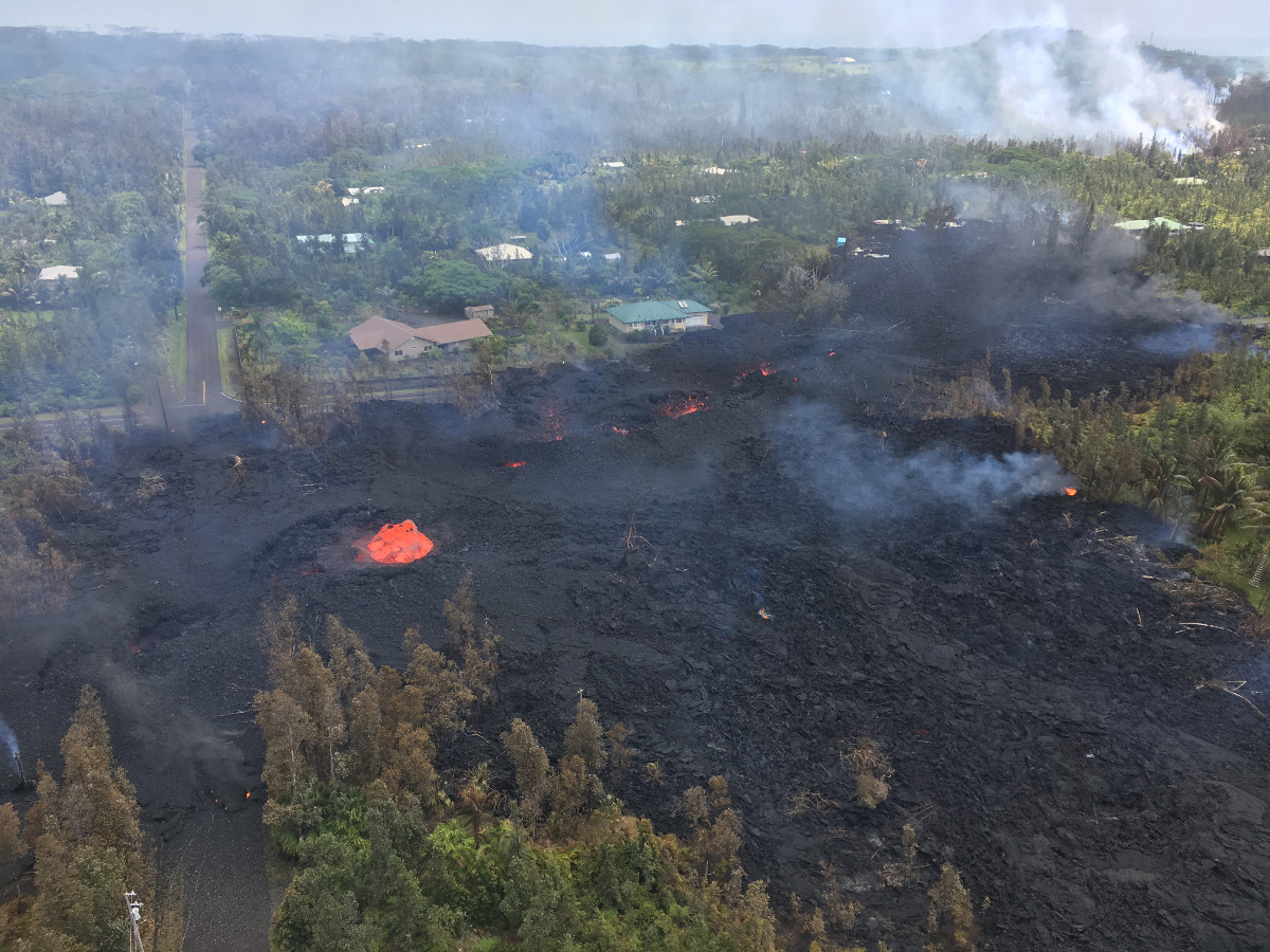 1 Pm Eruption Update Traffic Heavy As Leilani Residents Dash In Out