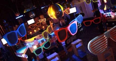 sunglasses-at-night-foto-1