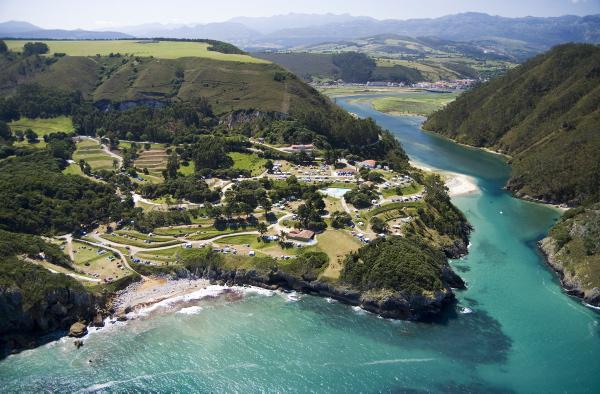 camping-las-arenas-aerial-view