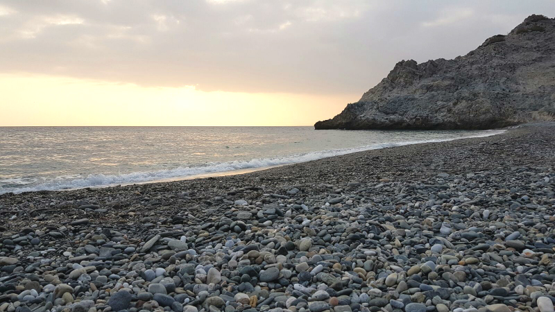 sunset-playa-cantarrijan-nerja