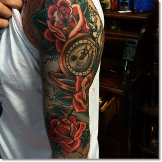 traditional-pocket-watch-tattoo-with-roses