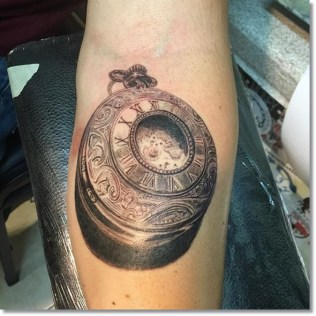vintage-2015-pocket-watch-tattoo-on-forearm
