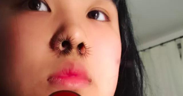 Nose Hair Extension La Mania Delle Ciglia Nel Naso Bigodino