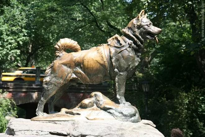 The statue dedicated to Balto