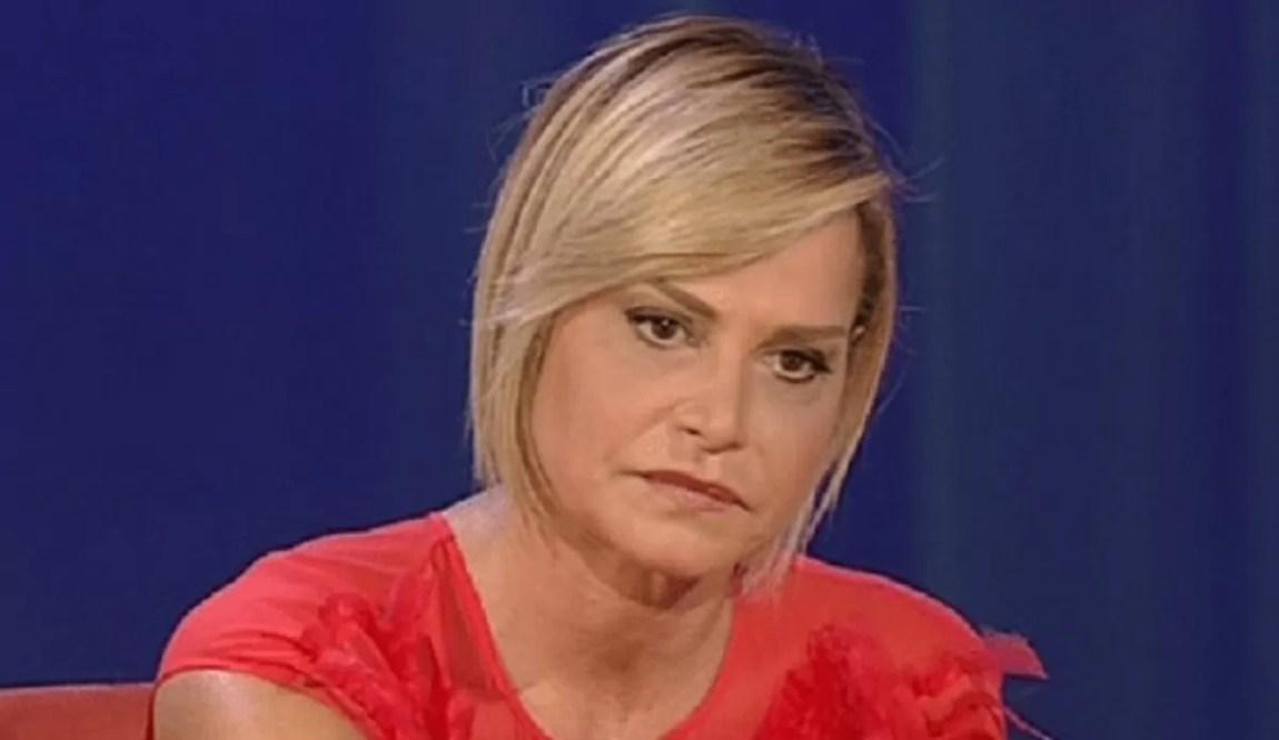"Simona Ventura furious: ""You are beggars"""