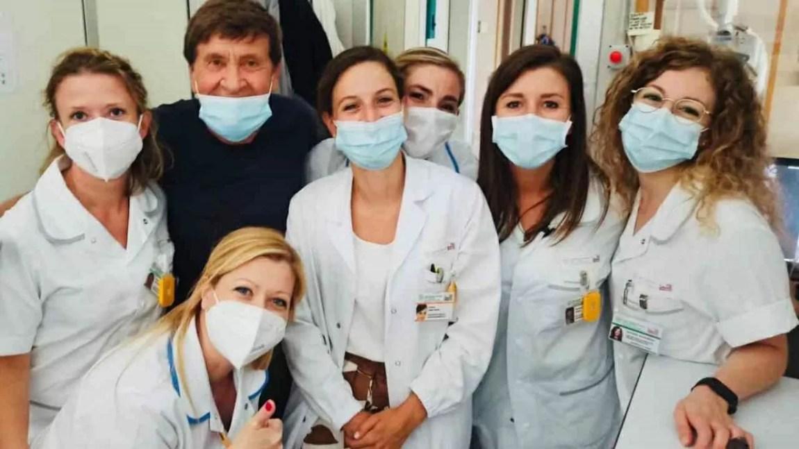 Gianni Morandi returns to the hospital