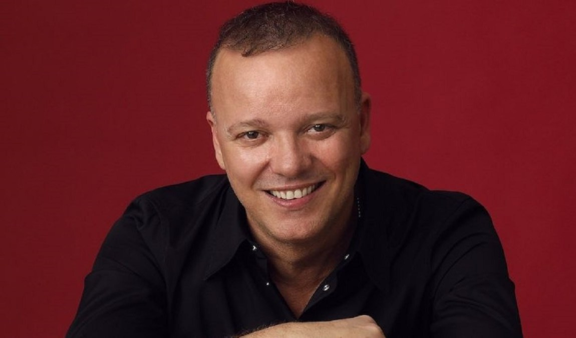 Gigi D'Alessio, what is your educational qualification?