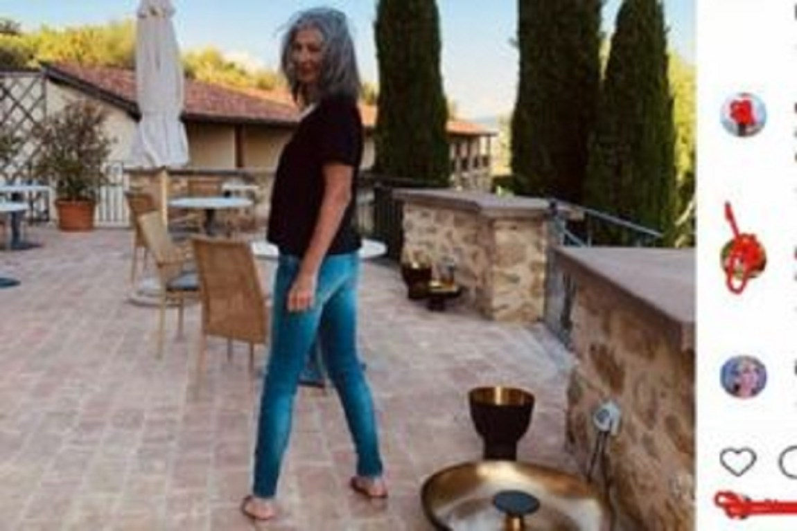 UeD: Isabella Ricci shows herself in a different outfit