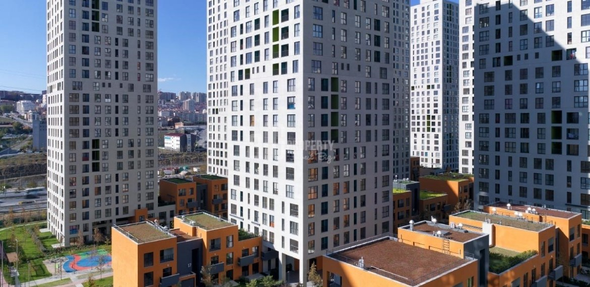 Ready to move quality apartments for sale close to metrobus and E-5 in Istanbul