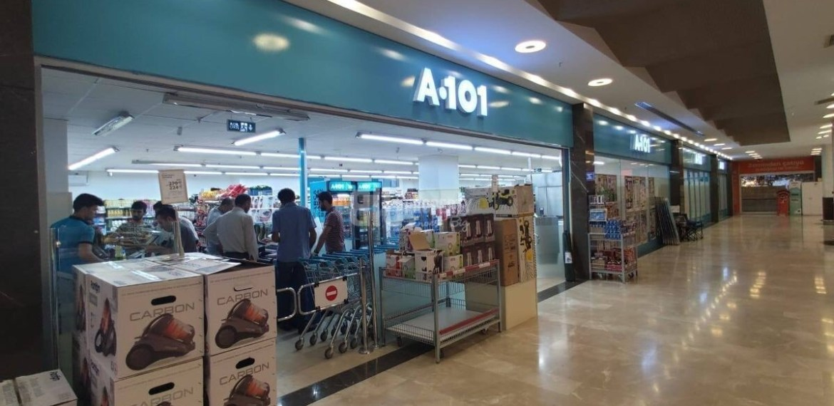 commercial area with chain market tenant for sale in istanbul gaziosmanpasa