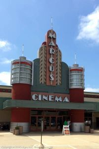 Madison, WI: Marcus Point Cinema Getting DreamLounger ...
