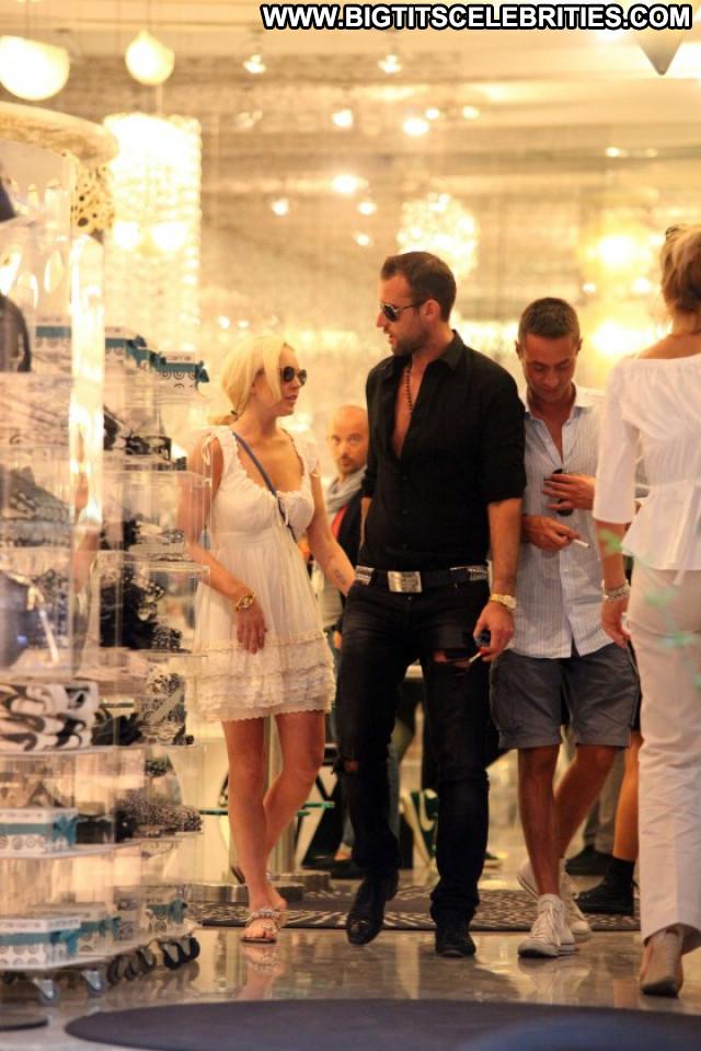 Lindsay Lohan Lake Paparazzi Posing Hot Candids Celebrity Candid Babe