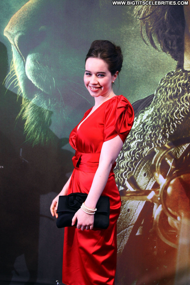Anna Popplewell Babe Posing Hot Paparazzi Beautiful German Celebrity