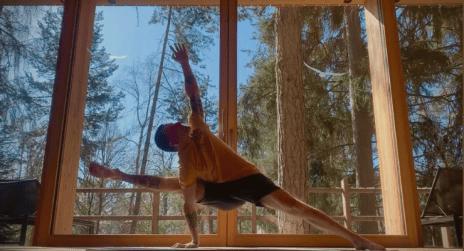 L'arte di lasciare andare Ashtanga Yoga