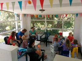 Elisa's verjaardagsfeestje met ander expat-kinderen uit Musoma.