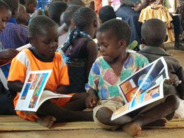 Het is ons verlangen dat ook kinderen vertrouwd raken met de Bijbel.