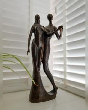 Bronzen beeldje liefde