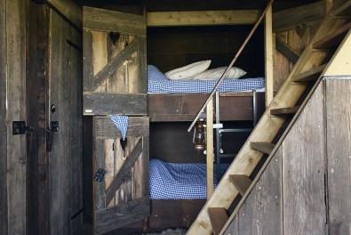 Bijzondere-Overnachting-Origineel-Overnachten-Duynpark-het-Zwanenwater-Callantsoog-slapen-in-de-duinen-11