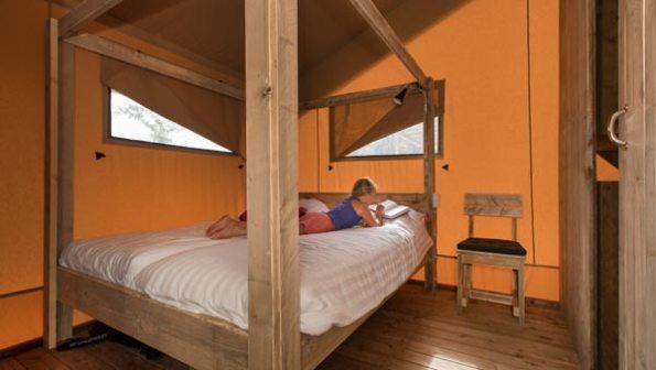 Bijzondere Overnachting Origineel Overnachten Slapen in een safaritent op Molecaten park Waterbos in Rockanje8