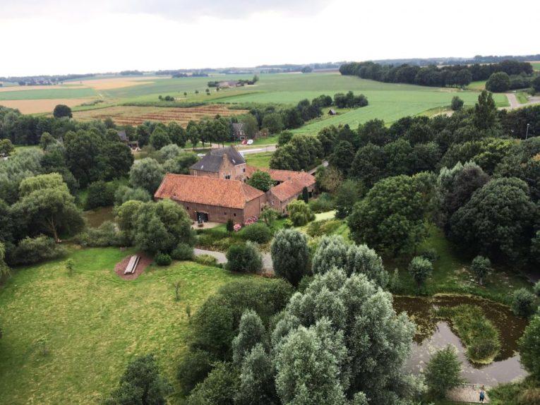 Bijzondere Overnachting Origineel Overnachten Slapen op Limburgse Kasteelboerderij in Schinveld1