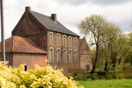 Bijzondere Overnachting Origineel Overnachten Slapen op Limburgse Kasteelboerderij in Schinveld2