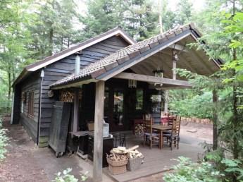 Slapen in een boshuisje op de Veluwe