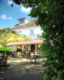 Bijzondere Overnachting Origineel Overnachten Familiehotel Heijtenrath Zuid-Limburg2