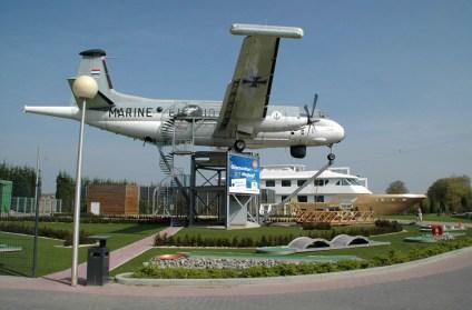 Bijzondere Overnachting Origineel Overnachten Slapen in een vliegtuig Brequet Atlantic 1150 in het Brabantse Mill1