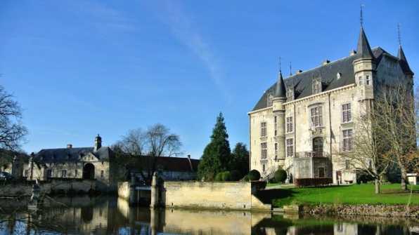 Historisch kasteel Schaloen in het prachtige Limburg1
