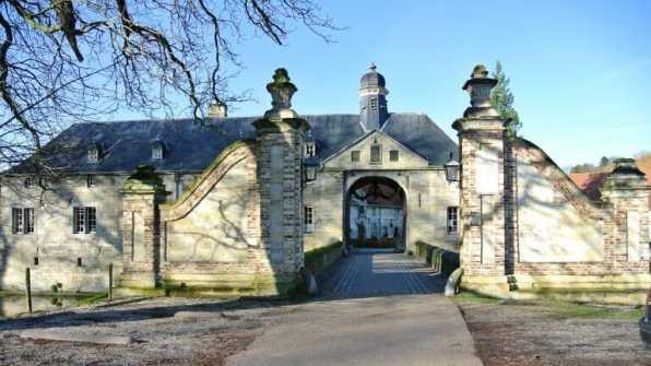 Historisch kasteel Schaloen in het prachtige Limburg3