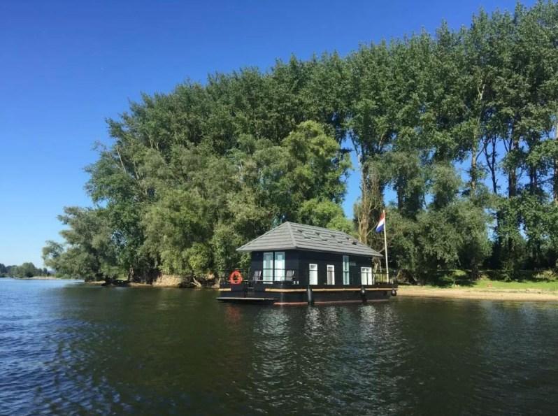 Bijzondere Overnachting Origineel Overnachten Slapen op het water in Vaarthuis Pur Sang in Maurik7