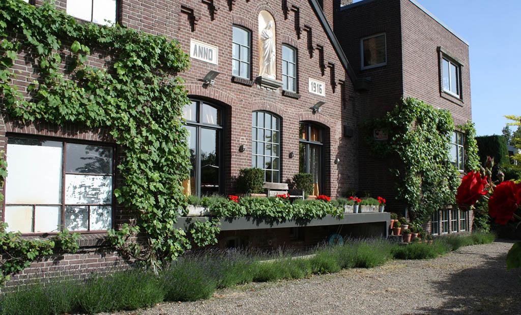 Bijzondere Overnachting Origineel Overnachten in B&B de Melkfabriek Eckelrade nabij Maastricht1