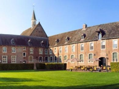 Bijzondere Overnachting Origineel Overnachten Slapen in Hotel Klooster Elsendael te Boxmeer15