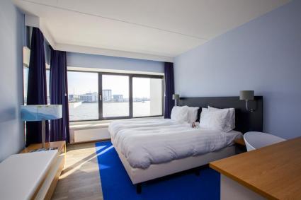 Bijzondere Overnachting Origineel Overnachten Uitzicht over de Maas bij het Delta Hotel in Vlaardingen12