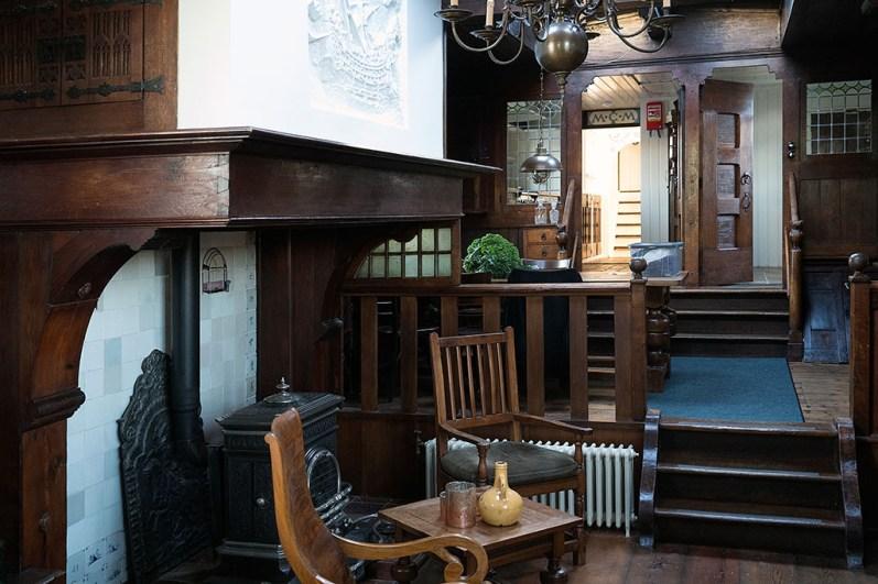Bijzonder Overnachten Origineel Overnachten Slapen op een nostalgische woonboot aan het Gooimeer5