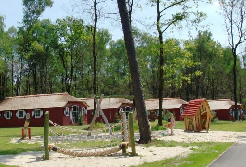 Bijzondere Overnachting Origineel Overnachten Slapen in de natuur in een Woodlodge of Boslodge op Veluwe Camping De Pampel1