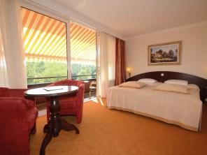 Bijzondere Overnachting Origineel Overnachten Wellness in Drenthe - Fletcher Hotel De Hunzebergen2