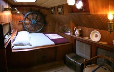 Bijzondere Overnachting Origineel Overnachten Slapen op Bed and Breakfast schip Opoe Sientje Nijmegen4