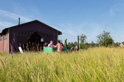 Bijzondere Overnachting Origineel Overnachten Slapen op een boerderij de Jobinghoeve in Grolloo met knuffelschuur in Drenthe2